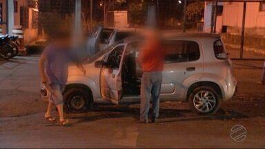 Homens armados abordam motorista de aplicativo e atiram contra passageiros - Homens armados abordam motorista de aplicativo e atiram contra passageiros