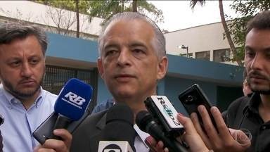 Márcio França (PSB) repete pauta de educação na capital - Márcio França, candidato ao governo de SP pelo PSB, visitou escolas e prometeu câmeras na Cracolândia.