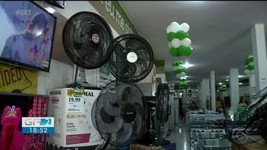 Cresce a procura por ventiladores e aparelhos de ar-condicionado nas lojas de Petrolina - Temperaturas mais altas em Petrolina tem estimulado as vendas