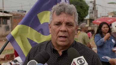 Alberto Fraga (DEM) visitou uma feira no Recanto das Emas - O candidato disse que, se eleito, pretende revitalizar o espaço e construir cobertura e boxes para os feirantes