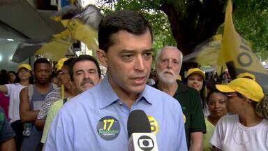 Indio da Costa (PSD) faz planfetagem na Tijuca - Assista a seguir.