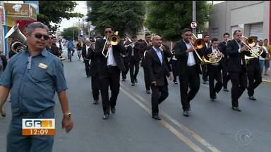 Alvorada festiva da Philarmônica 21de Setembro celebra os 123 anos de Petrolina - O desfile percorreu ruas antigas do centro da cidade. A programação do aniversário de Petrolina continua no final da tarde desta sexta-feira (21).