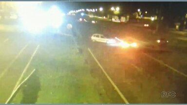 Mãe e filho morrem em acidente de carro em Foz do Iguaçu - Polícia Rodoviária Federal pede atenção dos motoristas no trecho do acidente