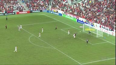 Atlético vence clássico e afunda Paraná Clube - Furacão amplia série de vitórias na Arena, abre folga para a ZR e deixa Tricolor ainda mais próximo do rebaixamento