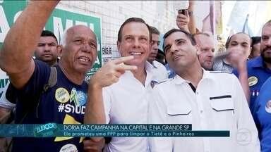 João Doria faz campanha na Zona Leste e em Carapicuíba - João Doria, do PSDB, fez campanha na zona leste da capital e em Carapicuíba