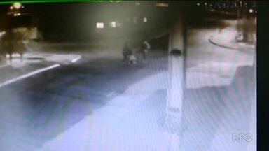 Polícia procura suspeito de matar homem que agrediu ciclista - Crime foi no bairro Sítio Cercado, em Curitiba.