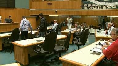 Comissão de Justiça da Câmara dá sinal verde para anular aumento do IPTU em Londrina - Projeto segue agora para parecer de outras comissões.