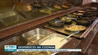 Cada brasileiro desperdiça cerca de 40 kg de comida por ano, aponta pesquisa - Arroz, feijão e carne de boi estão no topo da lista do desperdício.