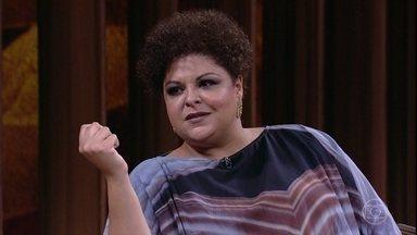 Fabiana Cozza relata episódios de discriminação que sofreu - O músico Tiganá Santana conta como conheceu Fabiana e fala sobre conflitos envolvendo diferentes tons de pele