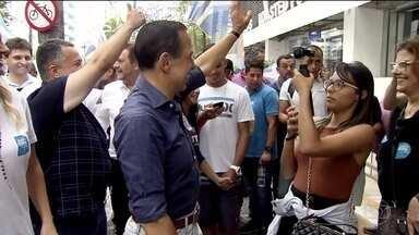 João Doria faz campanha na Baixada Santista - O candidato do PSDB prometeu modernizar a travessia Santos-Guarujá.