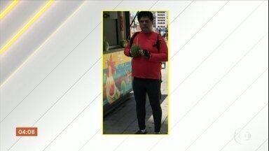 Advogado é morto a tiros por ladrões na frente da esposa no Recife - Segundo testemunhas, eles foram alvos de ladrões que atiraram mesmo sem a vítima ter reagido.