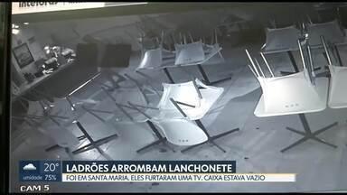 Ladrões arrombam lanchonete em Santa Maria - As câmeras de segurança gravaram a ação dos bandidos, que furtaram uma televisão. O arrombamento foi na quadra 214 de Santa Maria. O cofre estava vazio.