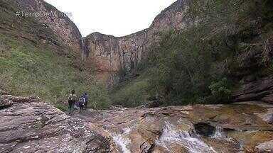 Cachoeira do Tabuleiro é atração turística em Conceição do Mato Dentro - Equipe do Terra de Minas visitou o parque estadual e fez o trajeto usado pelos antigos moradores. No caminho, os destaques da vegetação da Serra do Espinhaço.