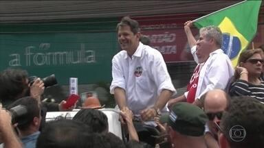 Candidato do PT, Fernando Haddad faz campanha na Bahia - Jornal Nacional mostra como foram as atividades de campanha de candidatos à presidência neste sábado (6).