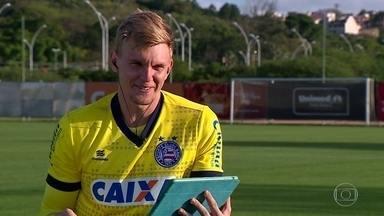 Heróis da classificação do Bahia, Goleiro Douglas responde perguntas de jovens torcedores - Heróis da classificação do Bahia, Goleiro Douglas responde perguntas de jovens torcedores