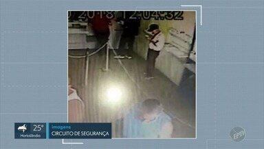 Suspeitos armados assaltam lotérica e levam R$ 30 mil em Limeira - Segundo a Guarda Municipal, quatro homens participaram da ação. Ninguém ficou ferido.
