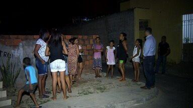 Comunidade no Bairro Santos Dumont reclama da falta de iluminação no local - Comunidade no Bairro Santos Dumont reclama da falta de iluminação no local.