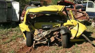 Um mês depois de acidente com morte envolvendo Camaro, família ainda espera respostas - Motorista do veículo fugiu do local após a batida. Polícia suspeita de racha.