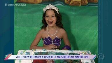 'Vídeo Show' relembra festinha de 8 anos de Bruna Marquezine - Programa também resgata lembrança do papai noel visitando a atriz mirim na véspera de natal