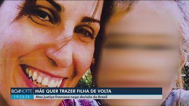 França nega a decisão da justiça federal de trazer filha de brasileira de volta ao Paraná - A menina de cinco anos é filha de uma paranaense com um francês. A volta da criança ao Brasil foi determinada pelo Tribunal Regional Federal, de Porto Alegre.