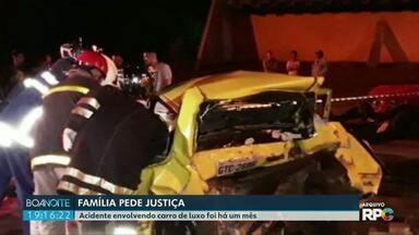 Polícia procura autor de acidente envolvendo carro de luxo em Foz - Batida que matou um rapaz completou um mês.