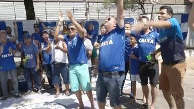 Torcedores do Vale do Aço viajam para acompanhar o Cruzeiro na final da Copa do Brasil - Caravanas saíram da região com destino ao Mineirão, palco do primeiro jogo da final.