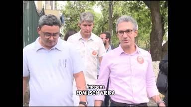 Candidato ao governo de Minas, Romeu Zema faz campanha em Belo Horizonte - Candidato disputa o segundo turno da eleição no estado com Anastasia.