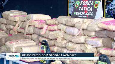 Grupo é preso com 150 kg de maconha em motel na Zona Centro-Sul de Manaus - Segundo a polícia, cerca de dez pessoas faziam orgias regadas a drogas há dois dias, na suíte presidencial do estabelecimento.