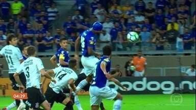Cruzeiro vence o Corinthians por 1 a 0 pela Copa do Brasil - Partida aconteceu nesta quarta-feira (10), no Mineirão. Confira os lances da partida e os comentários de Luís Roberto.
