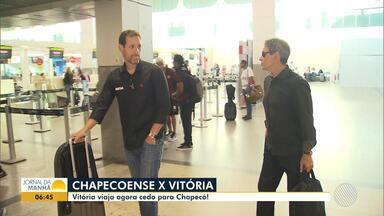 Vitória viaja para jogo contra a Chapecoense - Veja os destaques do rubro-negro baiano.