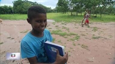 Falta de estrada dificulta acesso à escola em comunidade quilombola - Precariedade de infraestrutura dificulta acesso de moradores de zona rural quilombola à educação e saúde.