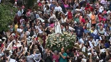 Veja como foi a 44ª Romaria de Fátima em Rio Grande - Cerca de seis mil fiéis participaram da celebração religiosa pelas ruas da cidade. Imagem da santa foi acompanhada em mais uma demonstração de fé.