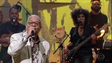 Nei Lopes canta ''Tempo De Don Don'' - O compositor, cantor e escritor lança o livro 'O Preto Que Falava Iídiche