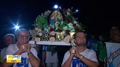 Procissão da Mãe Rainha celebra dois anos do terço dos homens em Olinda - Todas as quintas-feiras à noite, cerca de 80 homens da Paróquia Nossa Senhora de Fátima, em Bairro Novo, se reúnem para rezar.