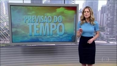 Frente fria avança pelo Sul trazendo chuva forte e à tarde vai mudar o tempo em São Paulo - O risco de temporal é para o sul de Mato Grosso do Sul, oeste do Paraná e de SC e noroeste gaúcho. No Norte e no Centro-Oeste, a chuva vem à qualquer hora. Em SP e no RJ o dia fica firme, mas a chuva vem mais tarde. No Nordeste, chove em Salvador.