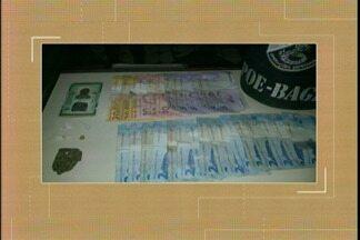 BM prende homem em flagrante por tráfico de drogas em Bagé, RS - Ele foi encaminhado para o Presídio Regional de Bagé e está a disposição da justiça.