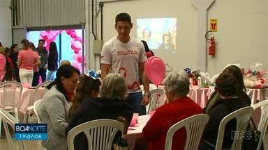 Mulheres em tratamento contra o câncer tiveram uma tarde diferente em Guarapuava - Elas se reuniram para conversar, cuidar da beleza e esquecer a luta contra a doença.