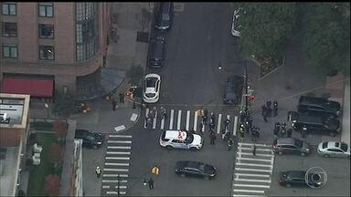Polícia de Nova York investiga novo pacote suspeito - Oito pacotes-bomba foram enviados para apoiadores e personalidades do Partido Democrata.