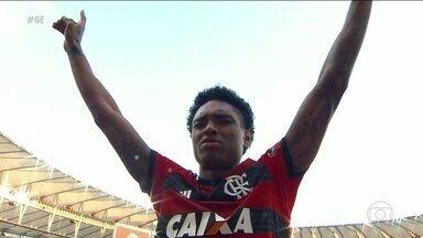 Realizando sonho de infância, Vitinho melhora rendimento no Flamengo e supera pressão - Realizando sonho de infância, Vitinho melhora rendimento no Flamengo e supera pressão