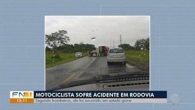 Motociclista fica ferido em acidente na Rodovia Júlio Budiski - Trânsito precisou ser interditado para o atendimento da ocorrência, em Presidente Prudente.