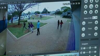 Para inibir crimes, escolas de Cascavel estão sendo monitoradas - São mais de 800 câmeras e alarmes.
