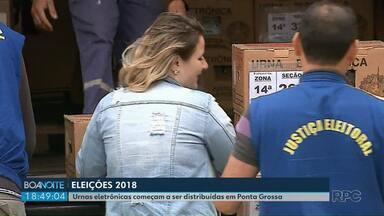 Urnas eletrônicas começam a ser distribuídas em Ponta Grossa - As eleições serão neste domingo (28).