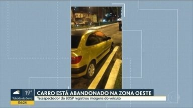 Telespectador do Bom Dia SP reclama de carro abandonado na zona oeste de São Paulo - Veículo foi deixado na Av. Francisco Matarazzo há dias e não foi removido.