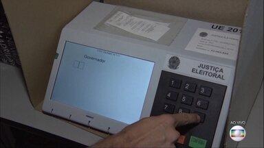 Eleições 2018: 33 milhões de eleitores vão às urnas em São Paulo neste domingo (28) - No segundo turno das eleições, serão escolhidos o novo governador e o novo presidente. Repórter Rafael Castro mostra urna ao vivo e tira dúvidas dos eleitores.