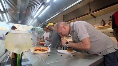 Loja especializada em hambúrguer mira no consumidor final e em empreendedores - O espaço oferece equipamentos e produtos para fazer hambúrguer e também tem área para cursos e experimentação.
