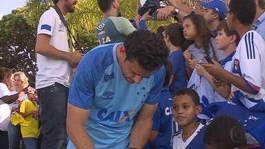 Fred começa como titular e é esperança de gols da torcida do Cruzeiro em cima do Paraná - Fred começa como titular e é esperança de gols da torcida do Cruzeiro em cima do Paraná