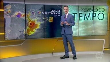 Ciclone extratropical provoca ventania e chuva no Sul e no Sudeste - Rajadas de vento passaram dos 80km/h em algumas cidades