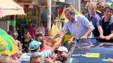 Eduardo Paes faz campanha na Baixada Fluminense - O candidato do DEM ao governo do Rio encerrou a campanha neste sábado (27).