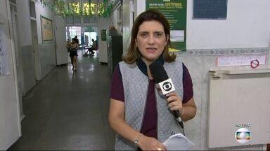 Muitos eleitores optam por votar mais cedo para escapar das filas nas urnas - Mais de 12 milhões de eleitores devem ir votar neste segundo turno no Rio de Janeiro.