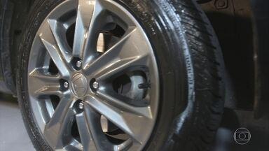 Roda ralada pode ser consertada com customização - Uma forma de consertar uma roda ralada é personalizar. Saiba quando é possível fazer isso e quais as alternativas de estilo.